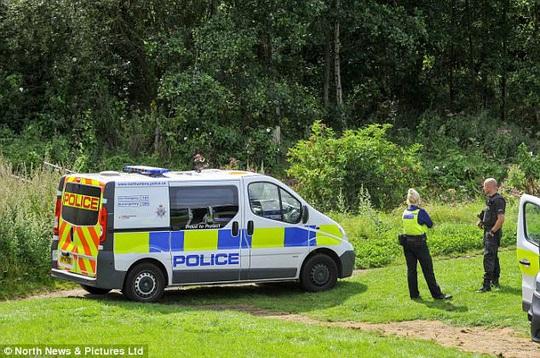 Stephen Unwin, 39 tuổi ở St Oswalds Terrace, Houghton, và William McFall, 50 tuổi, ở đường Waterloo, TP Blackpool, đã bị truy tố tội giết người. Ảnh: Daily Mail