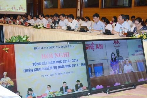 Đại diện Sở GD&ĐT tỉnh Nghệ An cho rằng, các tỉnh miền núi sẽ không thể chuẩn bị kịp các điều kiện nếu chương trình GDPT tổng thể triển khai đúng thời hạn.
