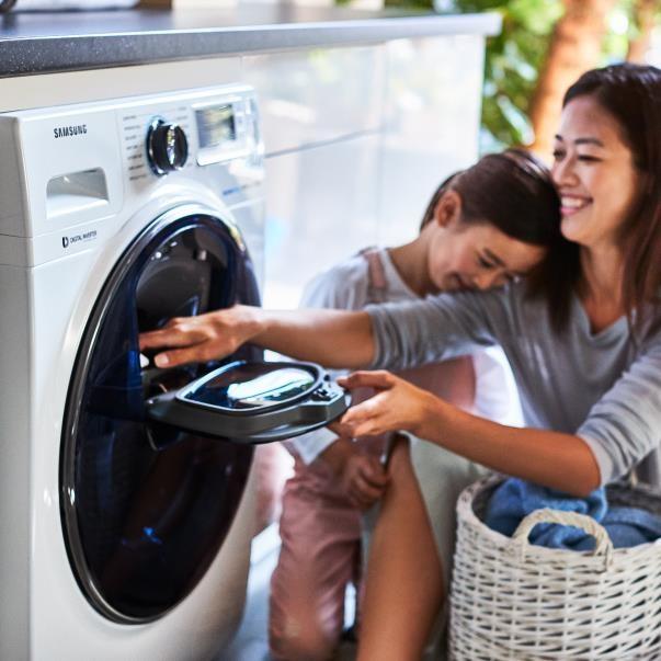 Cửa Add Door tiện tích trên máy giặt Samsung AddWash