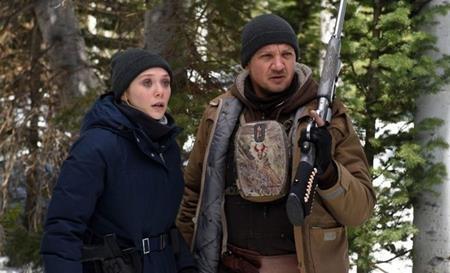 """""""Hawkeye"""" Jeremy Renner và """"Scarlet Witch"""" Elizabeth Olsen từng khiến các tín đồ yêu điện ảnh cảm thấy bất ngờ khi cùng góp mặt trong dự án phim """"Wind river"""""""