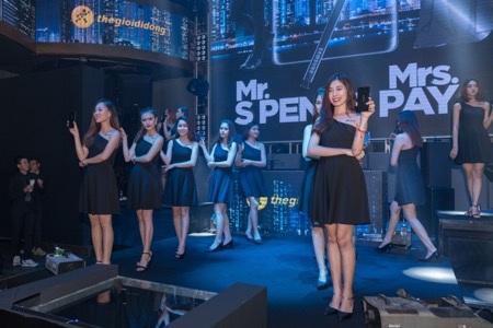 Galaxy Note8 là điện thoại cao cấp có tốc độ đặt hàng trước nhanh nhất từ trước đến nay tại Việt Nam, hứa hẹn sẽ đem lại kỷ lục mới về mặt doanh số.