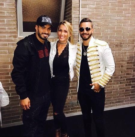Suarez cũng đưa vợ đi nghe nhạc chung vui cùng vợ chồng Messi