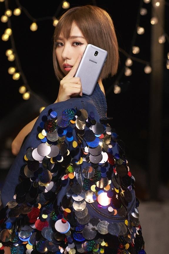 Lộ ảnh selfie cực chất của Isaac, Min và Soobin Hoàng Sơn - 2