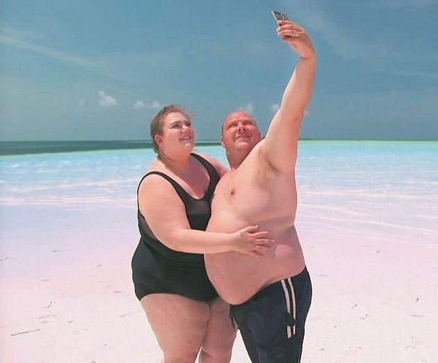 Đến với khách sạn, bạn có thể bắt gặp những cặp đôi thừa cân ở bất cứ đâu