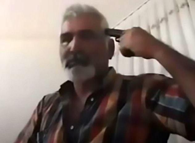 Dí súng vào đầu rồi tự sát không hề do dự