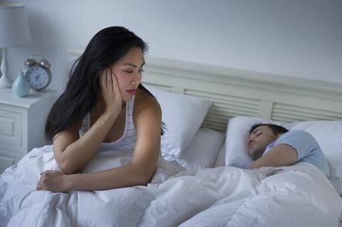 Không ít bà vợ bức bối vì chồng chỉ biết sướng phần mình (Ảnh minh hoạ IT)