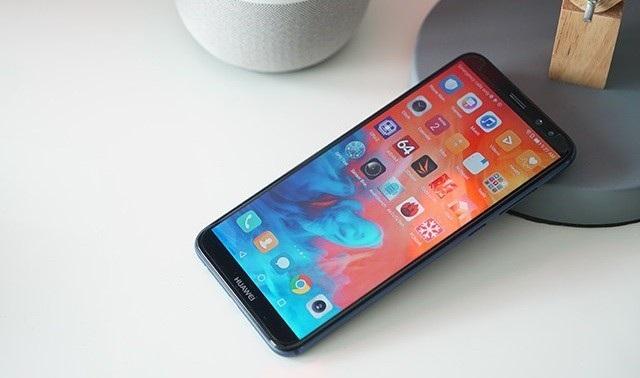 10 smartphone trung cấp đáng chú ý nhất năm 2017 - 4