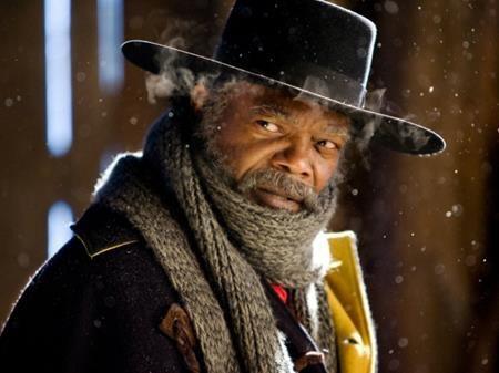 """Samuel L. Jackson từng tham gia hơn 100 bộ phim ở những năm đầu sự nghiệp nhưng vẫn chỉ là một tên tuổi mờ nhạt tại Hollywood. Phải đợi tới khi tham gia bộ phim """"Pulp fiction"""" của đạo diễn Quentin Tarantino thì Samuel L. Jackson mới khiến khán giả nhớ đến mình. Ở tuổi 41, nam tài tử đã giành được một đề cử Oscar danh giá và dần bước vào hàng ngũ những tên tuổi hạng A tại Hollywood."""