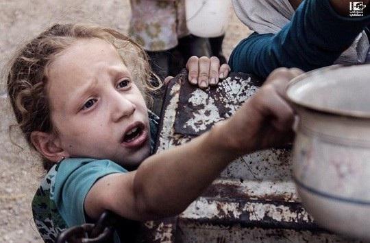 Nhiều trẻ em ở Syria thiếu ăn. Ảnh: Pinterest