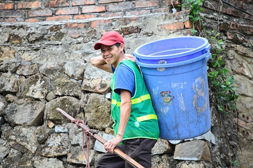Nhọc nhằn nghề gánh rác nơi lưng chừng trời Yên Tử - 7