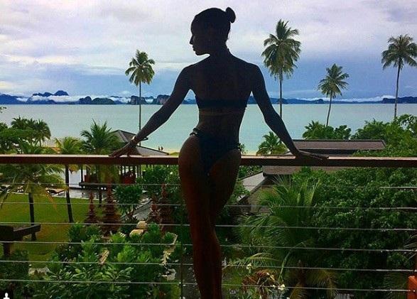 """""""No mắt"""" ngắm bộ ảnh du lịch Thái Lan của dàn thiên thần Victoria Secret - 7"""