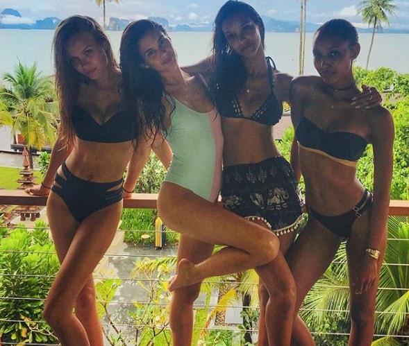 """""""No mắt"""" ngắm bộ ảnh du lịch Thái Lan của dàn thiên thần Victoria Secret - 9"""