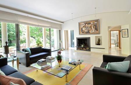 Siêu dinh thự được trang bị nội thất sang trọng, hiện đại