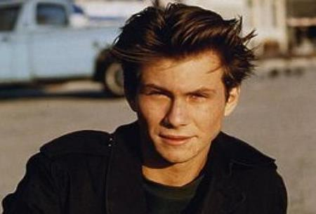 """Christian Slater từng sở hữu một gương mặt """"búng ra sữa"""" khi tham gia bộ phim """"True romance"""""""