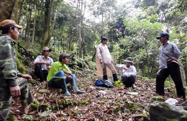 Thanh niên Xê Đăng lên rừng sâm săn chuột rừng làm thức ăn hàng ngày