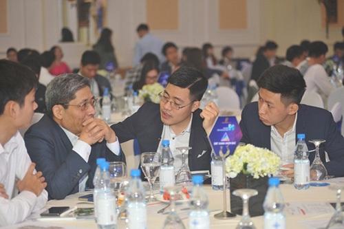 Đông đảo khách hàng tới tìm hiểu căn hộ khu Sapphire (dự án Goldmark City) tại sự kiện Ra mắt Tiêu chuẩn 5S của TNR Holdings Việt Nam (TNR).