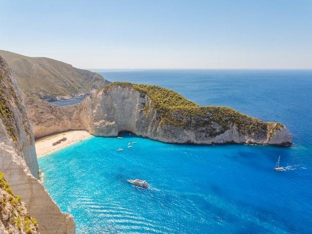 Chào mùa hè với 8 bãi biển tuyệt đẹp ở châu Âu - 3