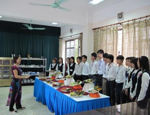 Trường Cao đẳng Du lịch và Thương mại thông báo tuyển sinh năm 2017 - 3