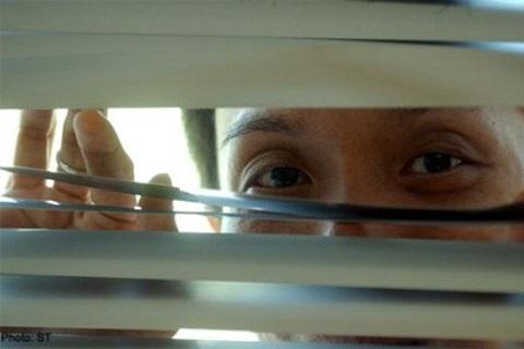 Người mắc chứng loạn dục nhìn trộm thường không tiếp cận trực tiếp nạn nhân