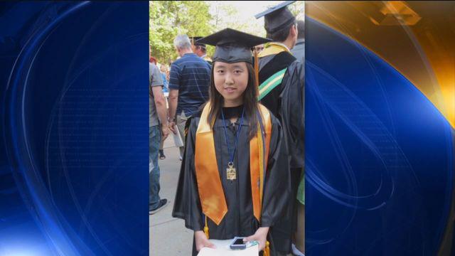 Nữ sinh 17 tuổi xuất sắc nhận học bổng tiến sĩ ở ĐH New York và sẽ nhập học vào mùa thu tới.
