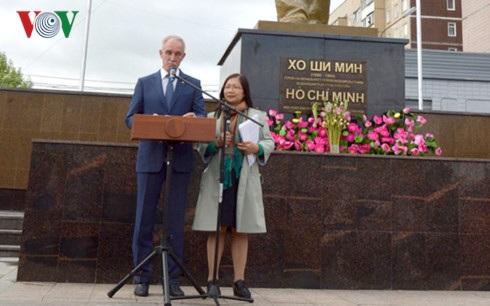 Thống đốc tỉnh Ulyanovsk Sergei Morozov phát biểu tại buổi lễ