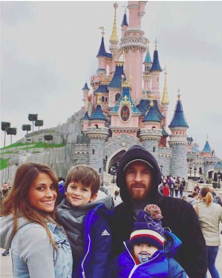 Messi đang có một mái ấm vô cùng hạnh phúc bên Antonella Roccuzzo