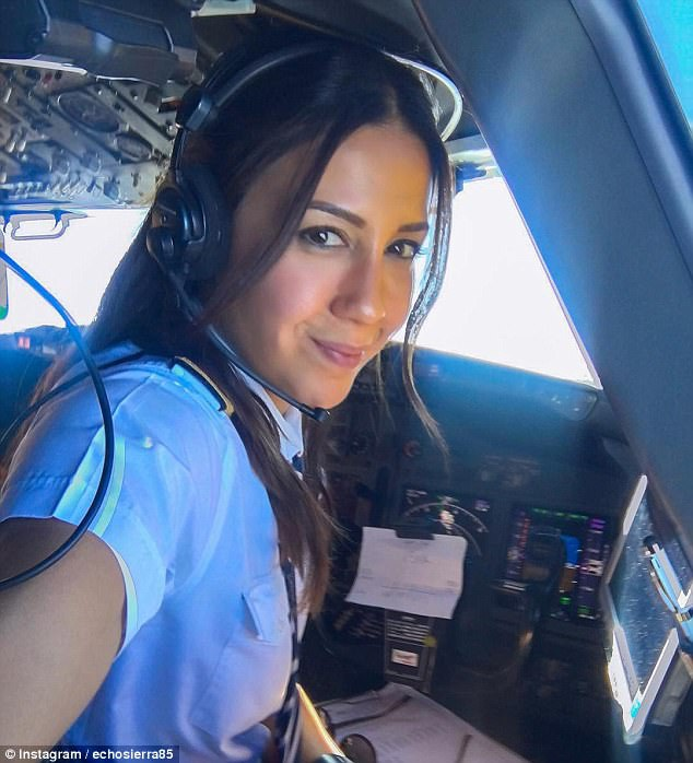 Khoảnh khắc selfie của phi công hút cả triệu like trên mạng xã hội - 4