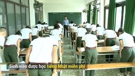 Sinh viên được dạy nghi lễ và ngôn ngữ Nhật hoàn toàn miễn phí
