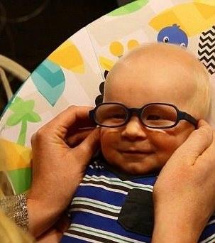 …cho đến lúc phát hiện chiếc kính giúp mình nhìn thấy rõ hơn