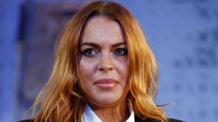 Sau hàng loạt tai tiếng, không chỉ sự nghiệp của Lindsay Lohan xuống dốc không phanh mà cả gia sản của Lilo cũng bị điêu đứng. Lilo liên tục bị xiết nợ thuế qua các năm và dù từng được người bạn thân Charlie Sheen cho vay 100.000 đô la Mỹ nhưng cựu sao Disney vẫn chưa thể thoát khỏi cảnh nợ nần.