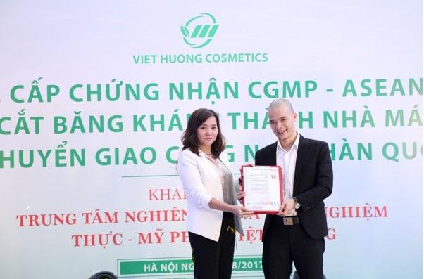 Công ty Việt Hương khánh thành nhà máy sản xuất mỹ phẩm - 3