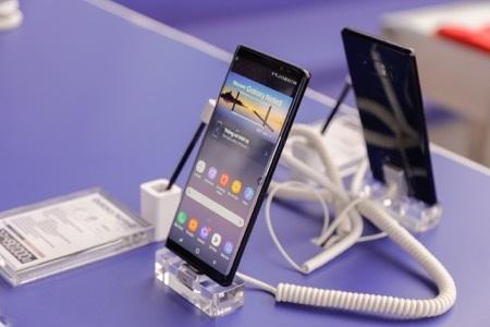 S Pen, màn hình vô cực và hệ thống camera kép là những ưu điểm nổi trội trên Galaxy Note8.