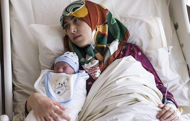 …trong khi bé trai của con gái Gade được đặt tên Tayyip