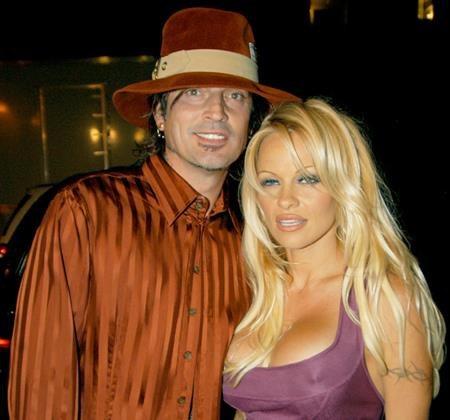 """Sau khi chia tay Tommy Lee, Pamela Anderson không hề nói xấu tình cũ mà còn khẳng định: """"Tommy sẽ luôn luôn là một phần của cuộc đời tôi""""."""