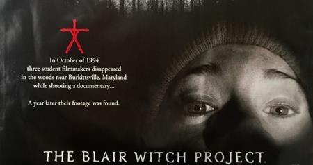 """""""The Blair witch project"""" (1999) đã khiến các rạp chiếu chao đảo vì quá đỗi ám ảnh và kinh dị. Theo dõi cuộc phiêu lưu của 3 sinh viên sau khi đến khu rừng bí ẩn, bộ phim gây ấn tượng khi được thể hiện dưới hình thức chân thực như phim tài liệu và thậm chí còn được đánh giá là một trong những bộ phim có sức ảnh hưởng nhất của thế kỉ trước. Dựa trên thành công của """"The Blair witch project"""", các nhà làm phim đã mạnh tay sản xuất phần hai mang tên """"Blair witch"""" vào năm 2016 nhưng với một đề tài không được làm mới và thiếu đi hiệu ứng truyền thông, """"Blair witch"""" nhanh chóng gặp thất bại khi ra rạp."""