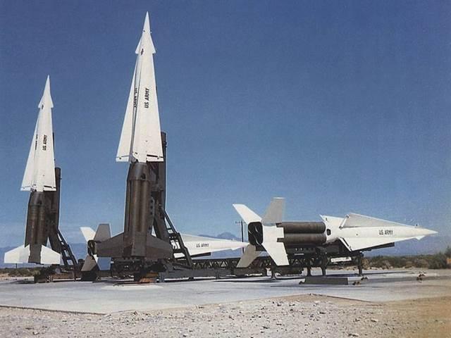 Trận địa phóng tổ hợp MIM-14 Nike-Hercules
