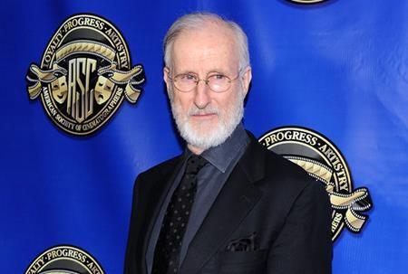 """Theo James Cromwell, Oscar chỉ là sản phẩm được tạo ra để """"đánh bóng"""" hình ảnh và không thực sự có giá trị nghệ thuật chân chính. Ngoài ra, càng tạo được nhiều ảnh hưởng, Oscar lại càng khiến cho các diễn viên, nhà sản xuất phải ganh đua với nhau."""