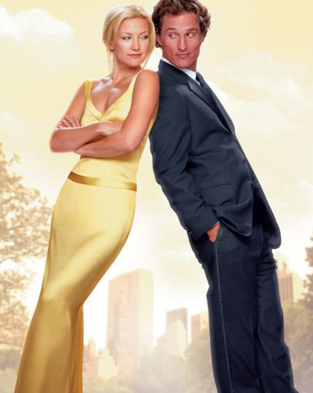 """Chiếc đầm vàng satin duyên dáng mà Karen Patch thiết kế cho Kate Hudson trong bộ phim """"How to lose a guy in 10 days"""" thực sự đã giúp cho nữ diễn viên khoe ra trọn vẹn vẻ quyến rũ, sexy khó cưỡng"""
