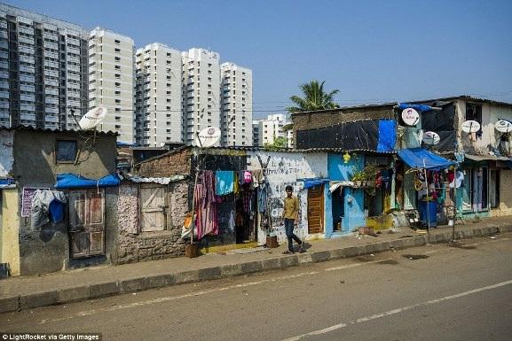 Việt Nam xuất hiện trong bộ ảnh về sự đối lập giàu - nghèo trên báo nước ngoài - 4