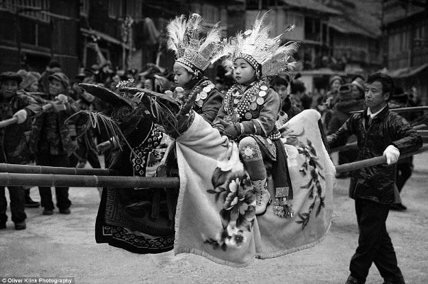 Những bức ảnh lịch sử về các truyền thống đang mất dần đi - 4