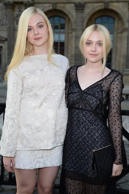 Cặp chị em Dakota và Elle Fanning từ lâu đã rất nổi tiếng tại Hollywood với nhan sắc trời ban cùng khả năng diễn xuất ấn tượng