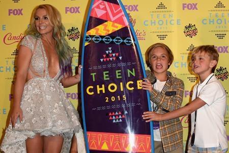 Britney Spears cũng đã sinh con khi mới 23 tuổi, một thời điểm còn khá sớm so với các đồng nghiệp khác