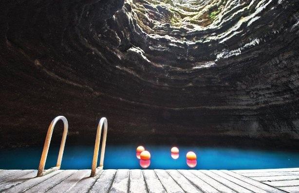 Ngâm mình trong những suối nước nóng nổi tiếng thế giới - 4