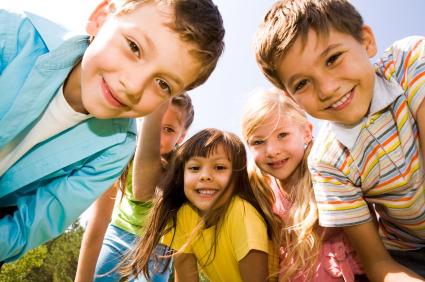 Cha mẹ giúp con phát triển kỹ năng xã hội theo từng độ tuổi - 4