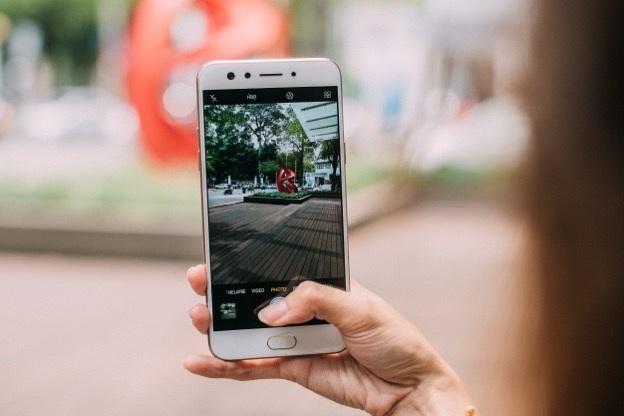 """Tại sao """"chuyên gia selfie"""" góc rộng Oppo F3 lại gây bão trên thị trường? - 3"""