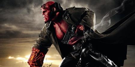 """""""Hellboy III"""" cũng là một dự án dang dở của Hollywood. Mặc dù đã nhận được cái gật đầu từ nam tài tử Ron Perlman vào đạo diễn Guillermo Del Toro nhưng vì vướng mắc về tài chính mà mới đây, đích thân Guillermo Del Toro đã phải cay đắng thừa nhận rằng 100% """"Hellboy III"""" sẽ không được thực hiện."""