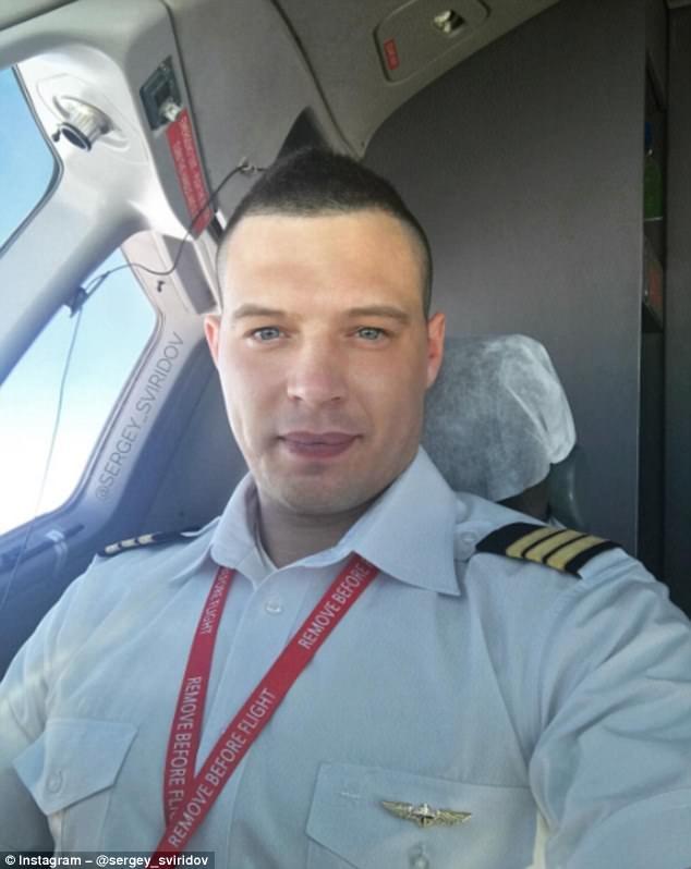 Khoảnh khắc selfie của phi công hút cả triệu like trên mạng xã hội - 5
