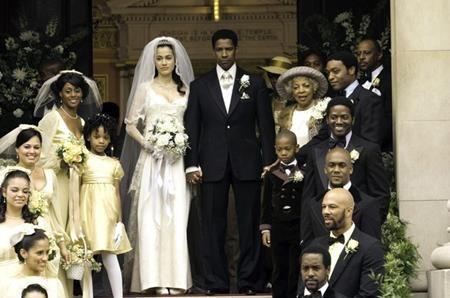"""Trong bộ phim """"American gangster"""" (2007), Denzel Washington đã đóng cặp cùng Lymari Nadal, người kém nam tài tử tới 23 tuổi. Và trong những năm gần đây, Washington cũng có xu hướng nên duyên cùng những người tình màn ảnh hết sức trẻ trung như Paula Patton, kém nam tài tử 21 tuổi trong phim """"Déjà vu"""" hay Kelly Reilly, kém nam tài tử 22 tuổi trong phim """"Flight""""."""