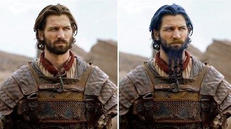 Trong nguyên tác, Daario Naharis được miêu tả là một nhân vật có ngoại hình tương đối khoa trương với tóc xanh và chòm râu xanh được chia thành ba nhánh