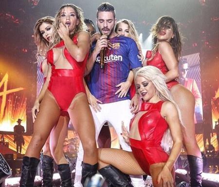 Giọng ca 23 tuổi hào hứng trình diễn trong màu áo Barca